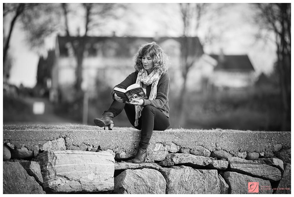 Fotoshoot leser bok