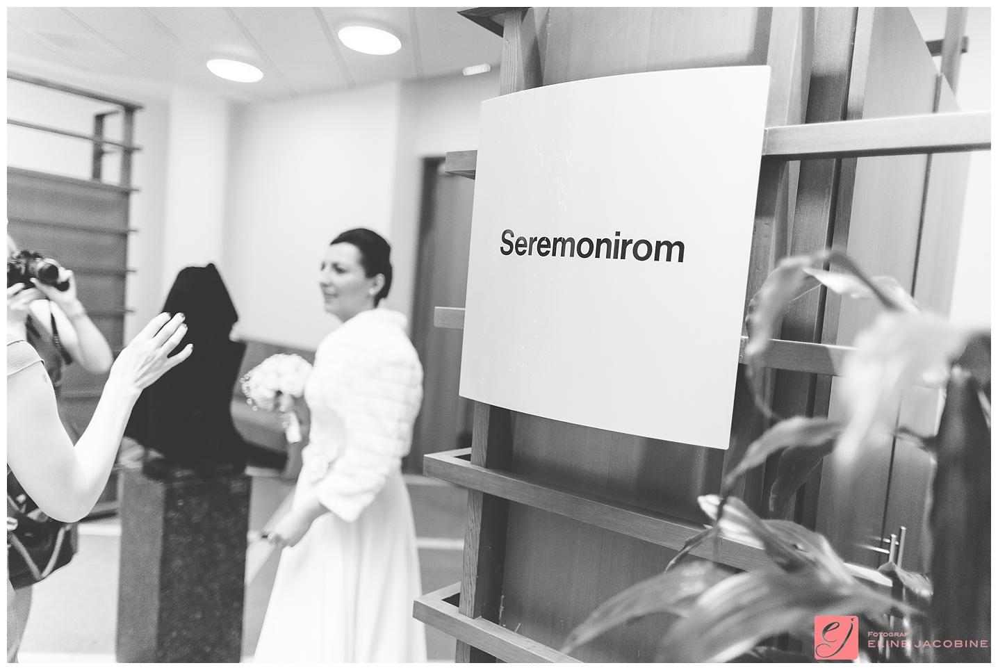 Oslo-Tinghuset-Bryllupsfotografering-Fotograf-Eline-Jacobine-Mirnale-og-Alen_0002