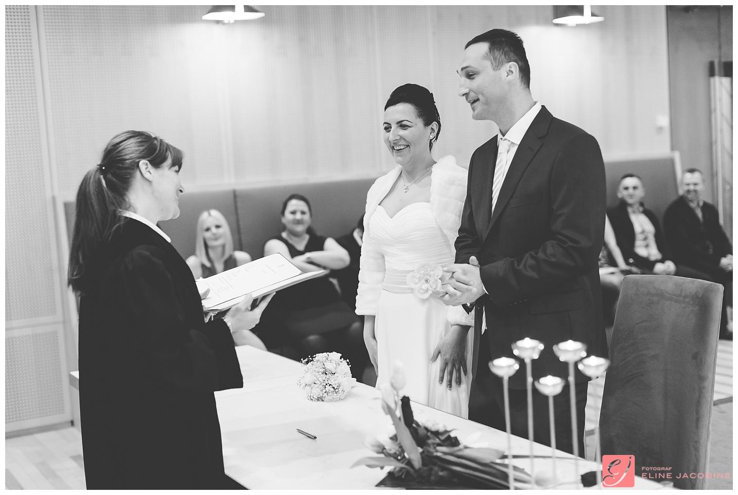 Oslo-Tinghuset-Bryllupsfotografering-Fotograf-Eline-Jacobine-Mirnale-og-Alen_0005