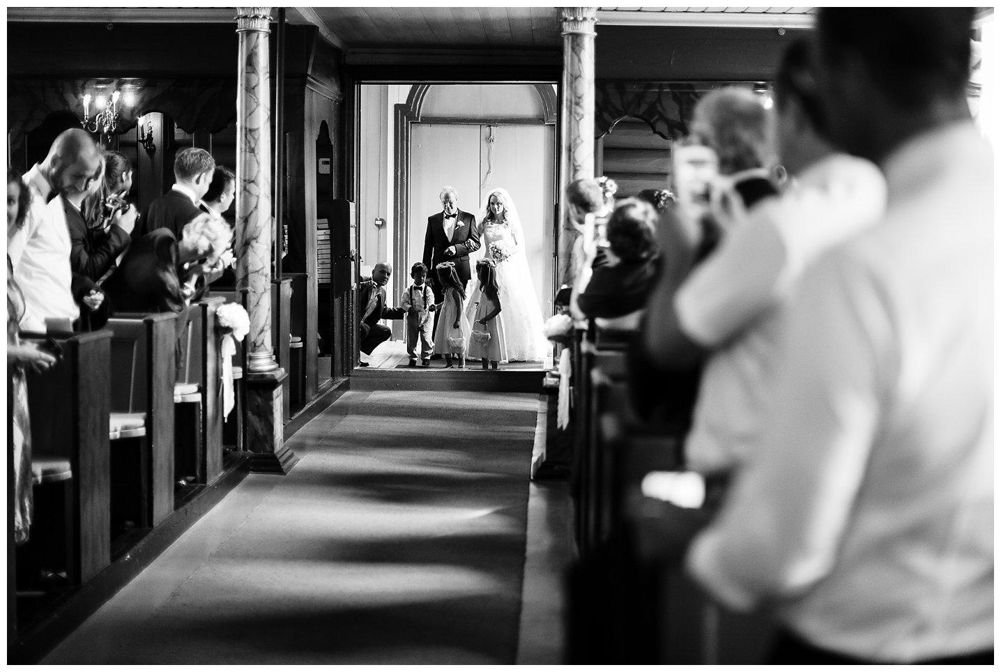 Fotograf-Eline-Jacobine-Bryllup-Villa-Malla-Camilla-og-Alexander_0057
