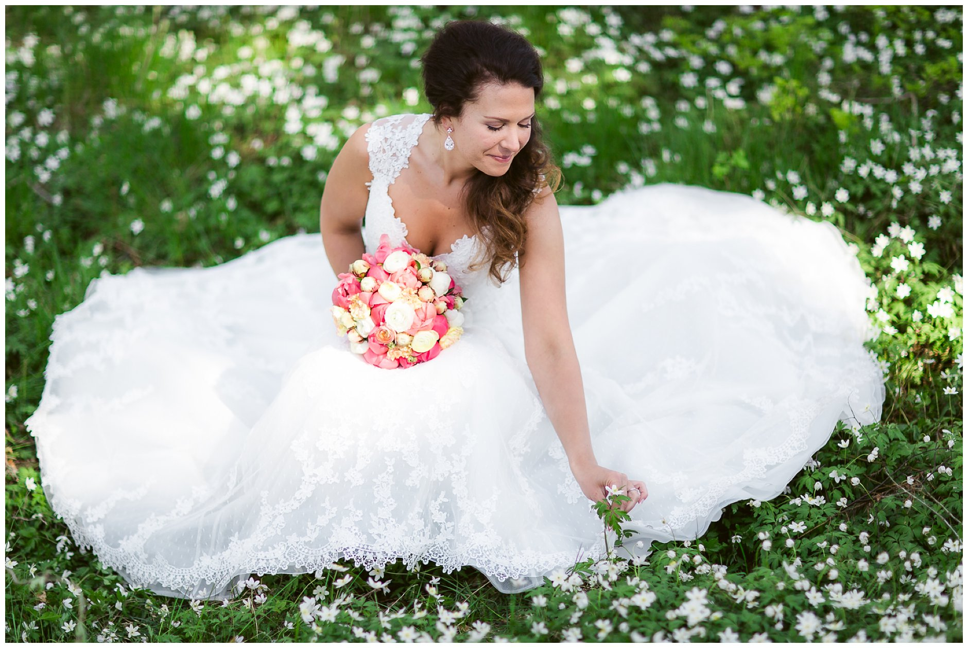 Brud i blomstereng