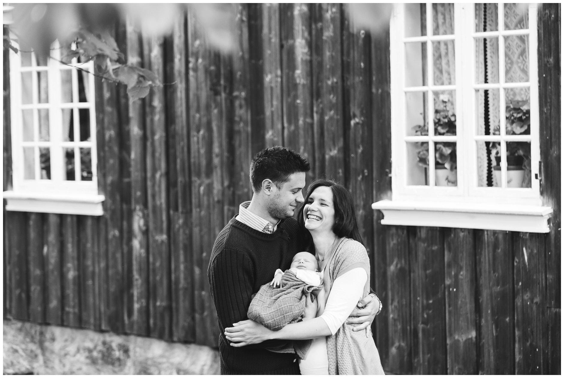 Fotograf-Eline-Jacobine-Utendørs-nyfødtfotografering-Sander_0017