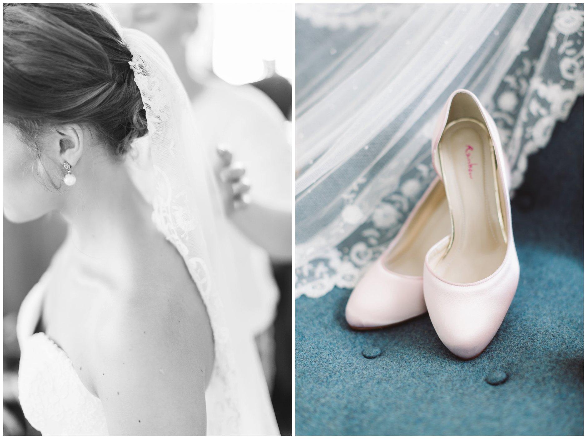 Fotograf-Eline-Jacobine-Bryllupsbilder-brudens-detaljer-fargede-sko-pudder-rosa-slør