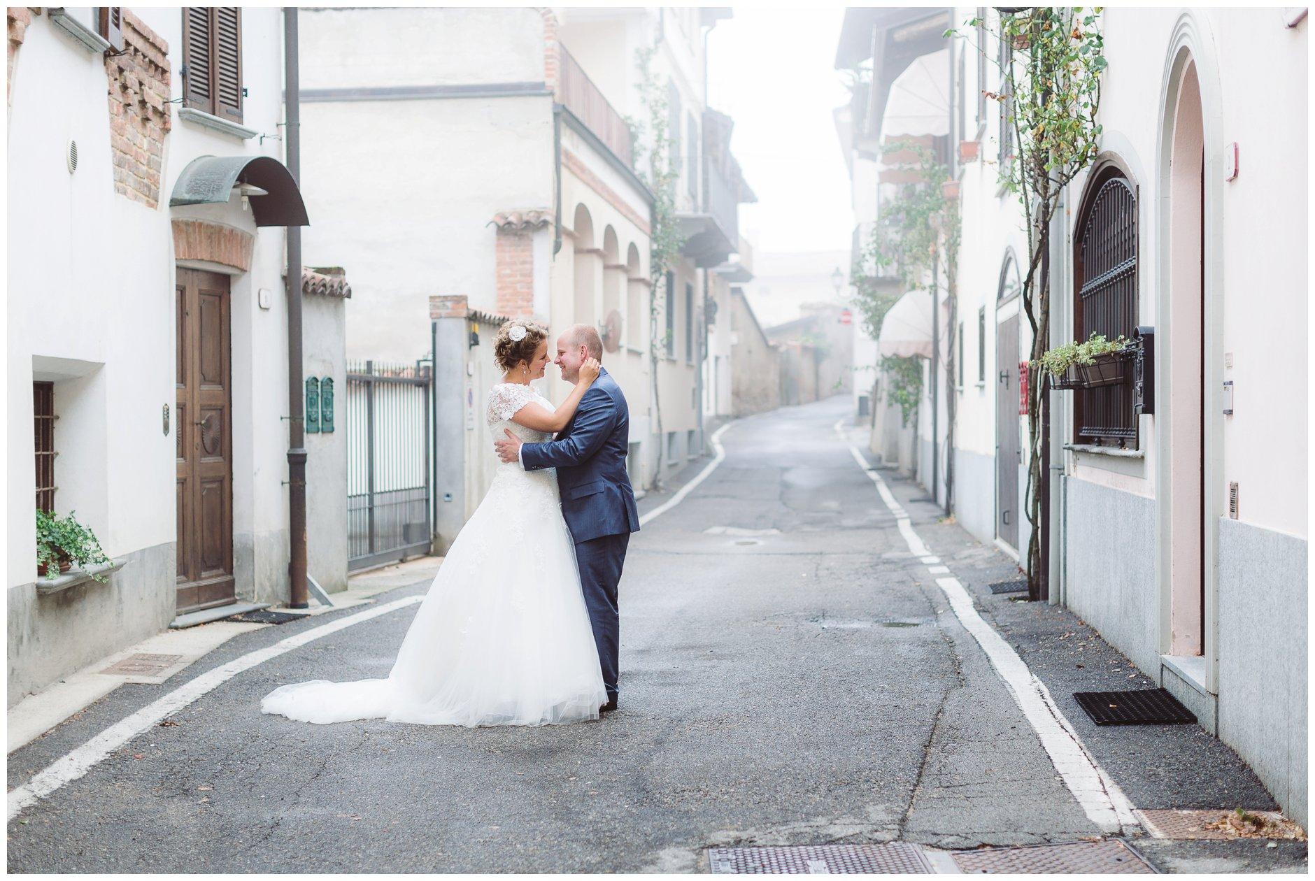 bryllup i Italia La Morras gater tåkelagt
