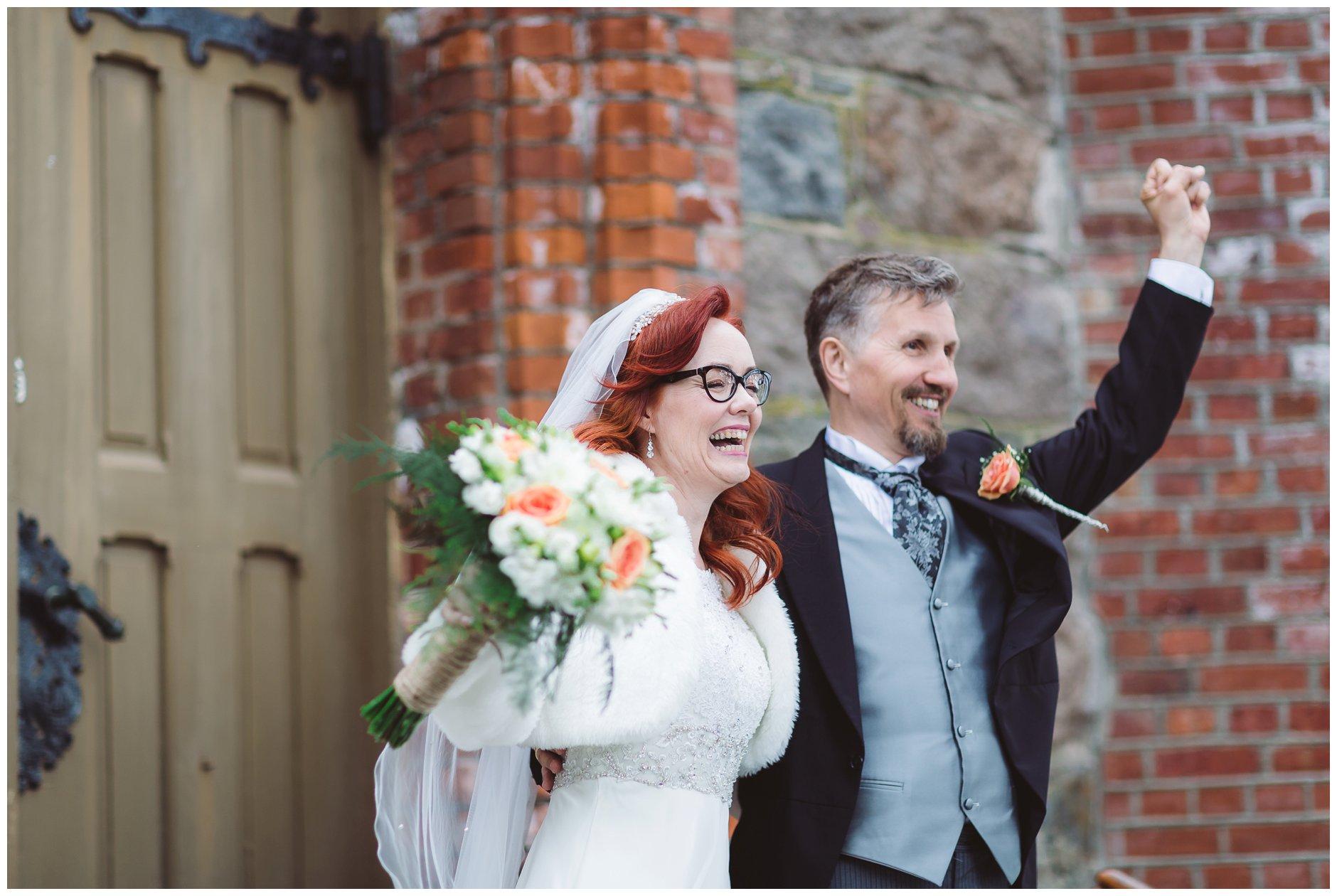 Lykkelig brudepar Tjøme kirke