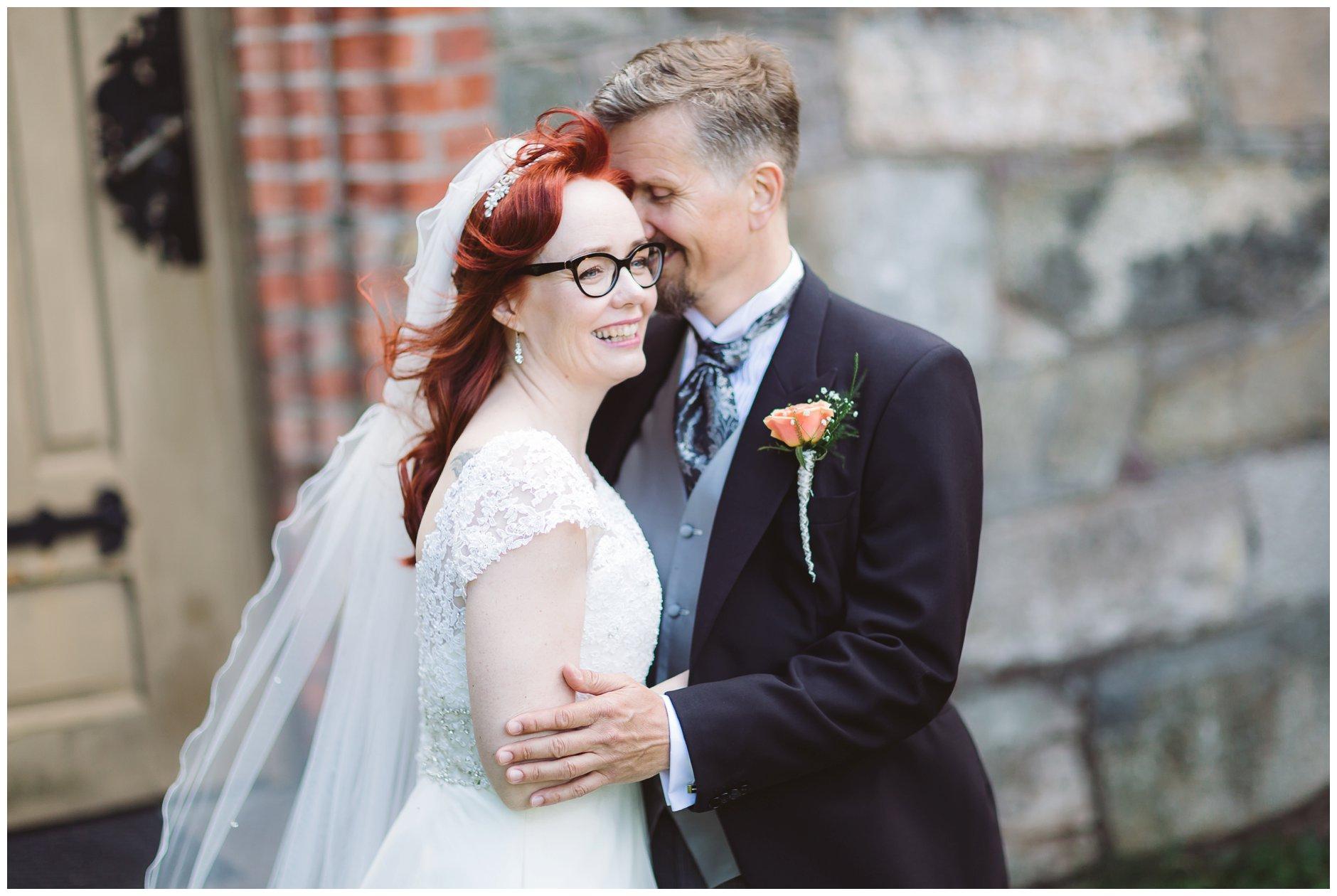 Brudepar utenfor Tjøme kirke
