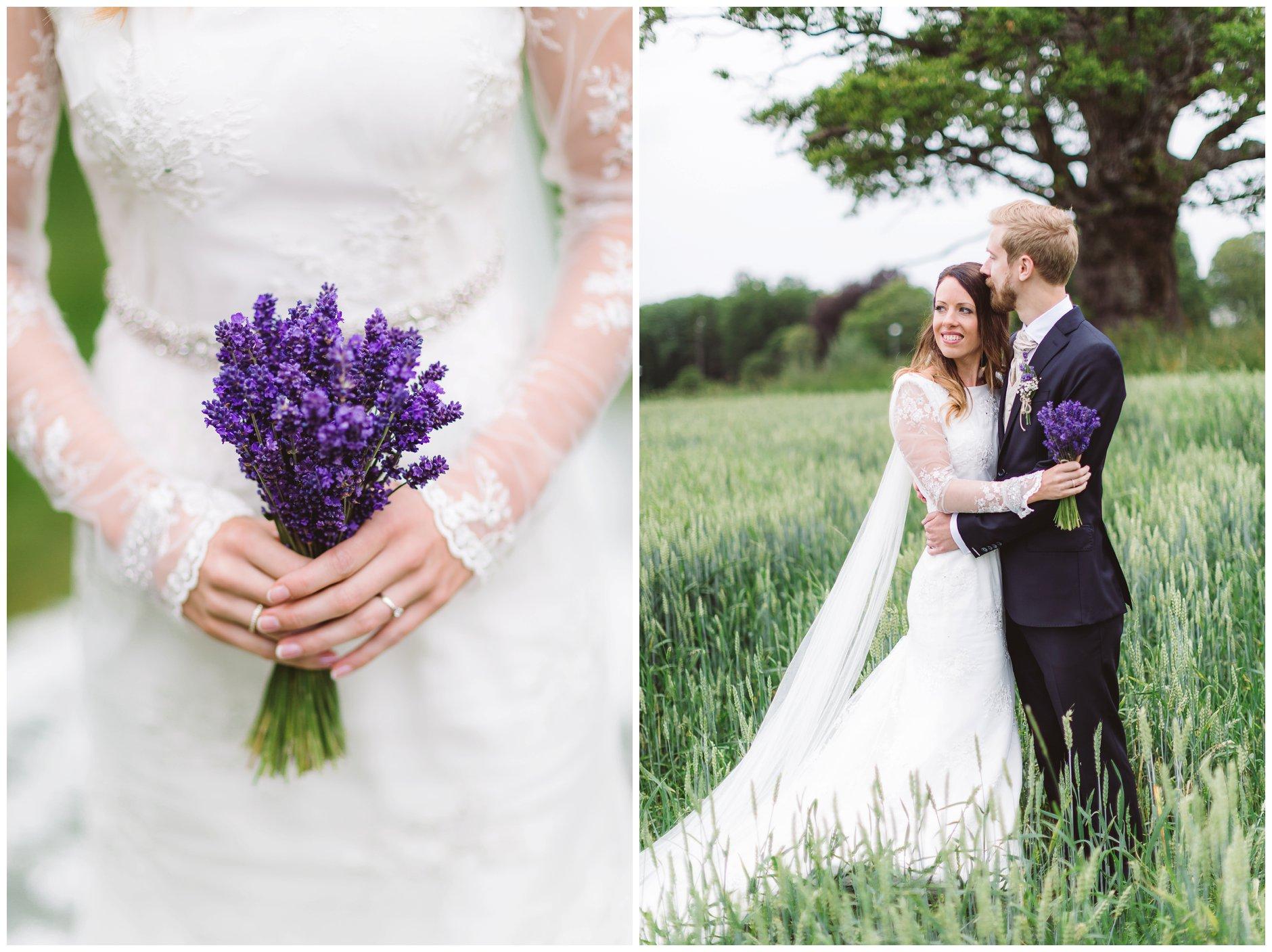 Brudebukett med lavendel og blondedetaljer