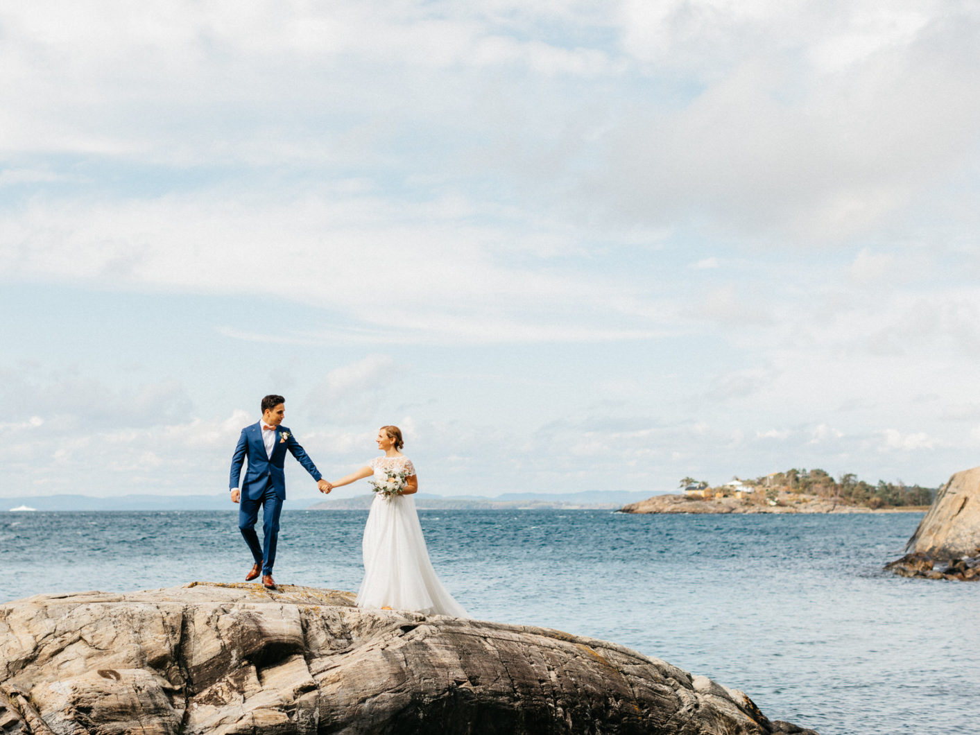 Fotograf-Eline-Jacobine-Bryllup-Støtvig-hotell-Larkollen-Rygge-Wedding-Norway-Eucalyptus-blomster-first-look-beach-wedding-36
